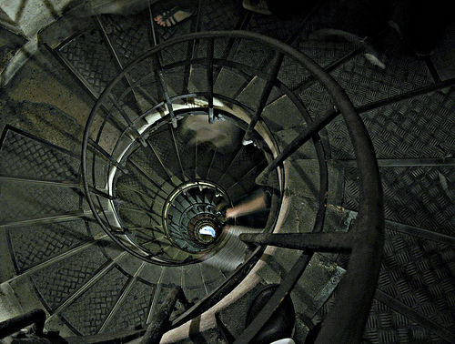 Sliding down th spiral stairs (flickr -Reji)